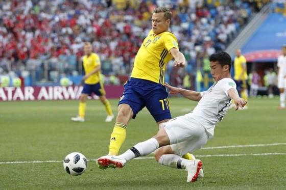 Thụy Điển - Hàn Quốc 1-0, VAR lại gây tranh cãi với quả 11m ảnh 5
