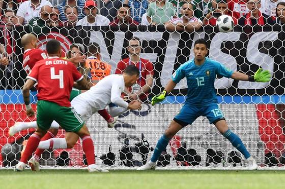 Bồ Đào Nha - Morocco 1-0, Ronaldo ghi bàn trong chiến thắng gây tranh cãi ảnh 2