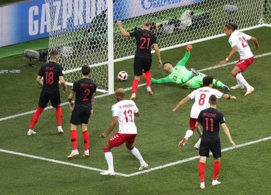 Đan Mạch mở tỷ số ngay phút đầu tiên