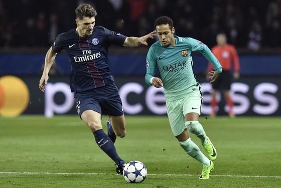 HLV Martinez: Meunier biết cách ngăn cản Neymar! ảnh 1