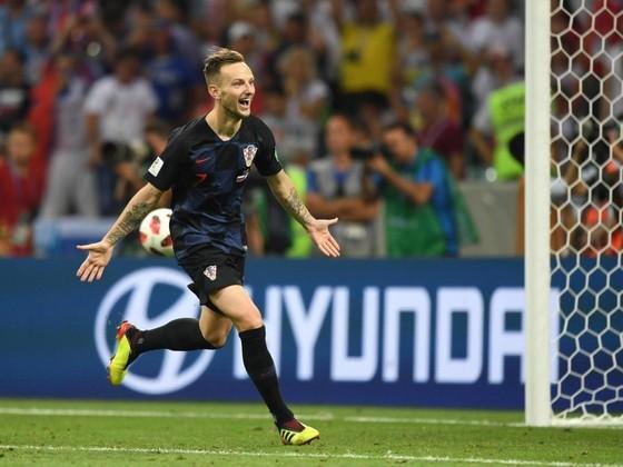 Rakitic đưa Croatia tiến vào bán kết