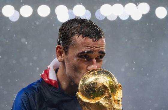 Griezmann vẫn hy vọng thắng Quả bóng vàng của France Football ảnh 2