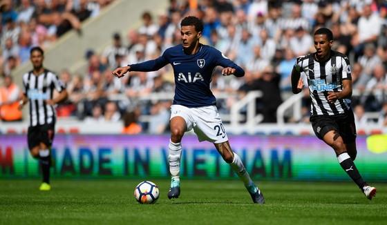Delle Ali (Tottenham) tung hoành trước khu cấm Newcastle