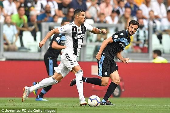 Ronaldo kém duyên khi Lão Phu nhân nhấn chìm Lazio