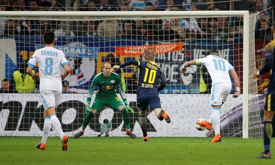 Ronaldo đoạt giải thưởng Bàn thắng đẹp nhất mùa giải của UEFA ảnh 1