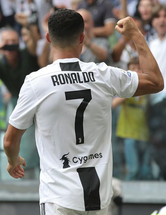 Cristiano Ronaldo ghi cú đúp giúp Juventus đánh bại Sassuolo ảnh 3