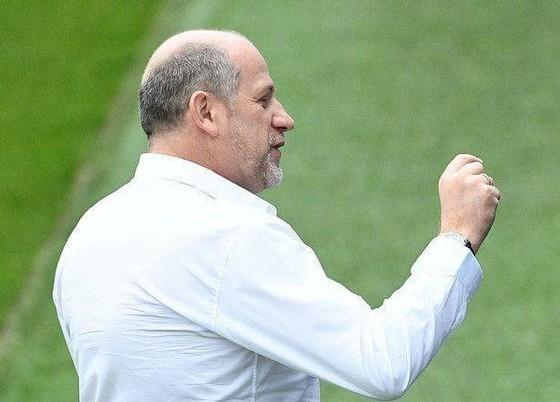 Giám đốc thể thao Antero Henrique có nguy cơ bị sa thải.