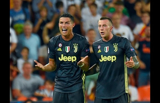Bị treo giò 1 trận, Ronaldo có cơ hội trở lại Old Trafford ảnh 1