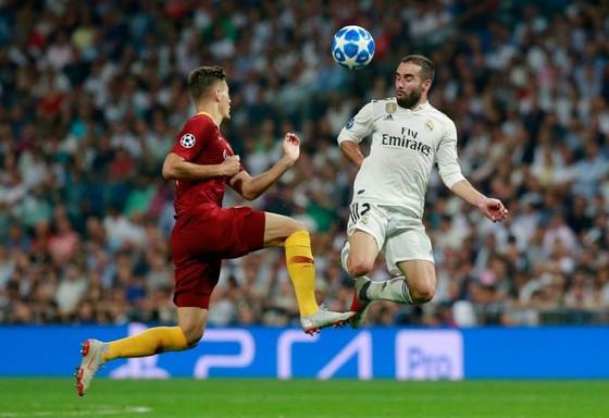 Dani Carvajal (phải) là trụ cột của Real Madrid.