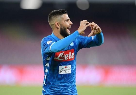 Napoli lo lắng chấn thương của Lorenzo Insigne