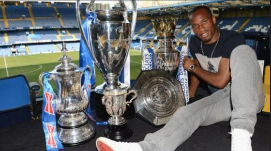 Huyền thoại Chelsea Didier Drogba tuyên bố giải nghệ ảnh 1