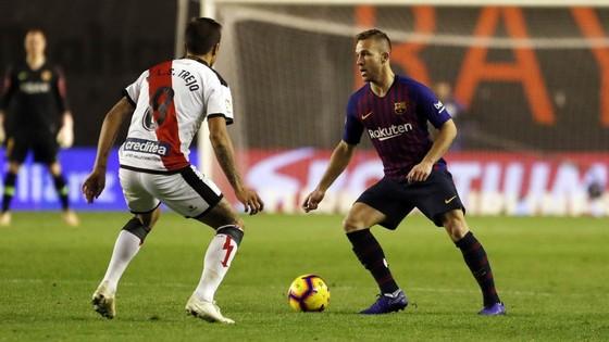 Bão chấn thương ở Barca: Luis Suarez và thủ thành Cillessen vắng mặt 2 tuần ảnh 1