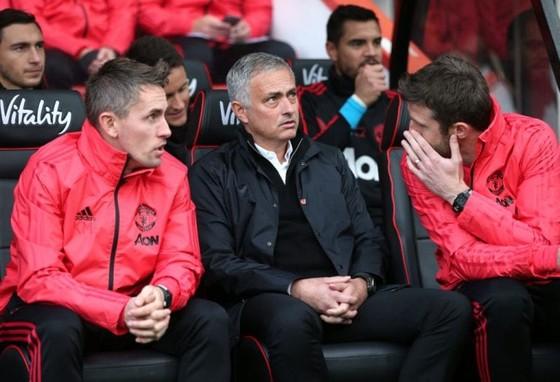 Mourinho muốn Man United sa thải mình ảnh 1