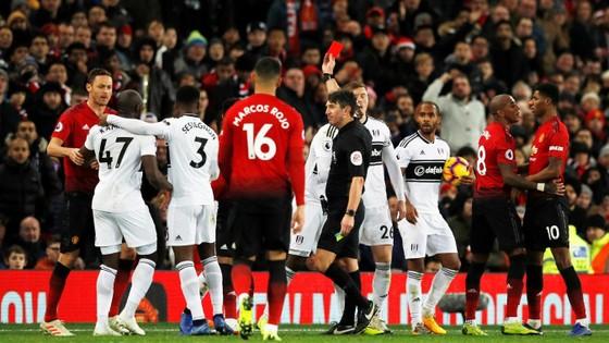 Man United - Fulham 4-1: Ashley Young và Juan Mata tỏa sáng ảnh 7
