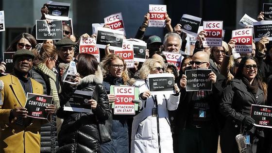 Nhân viên tại trụ sở LHQ biểu tình yêu cầu cải thiện điều kiện làm việc ảnh 1