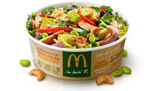 Hơn 100 người nhiễm ký sinh trùng nghi do ăn salad của McDonald's ảnh 1