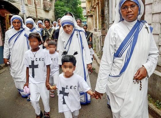 Ấn Độ điều tra khẩn cấp hệ thống tu viện chăm sóc trẻ mồ côi ảnh 1