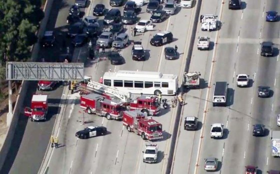 Đâm xe liên hoàn tại Los Angeles, khoảng 40 người bị thương ảnh 2