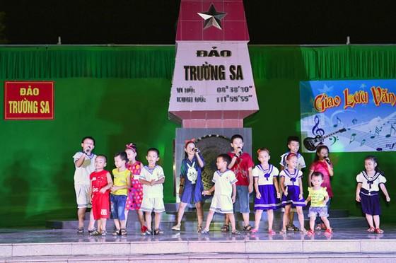Những đứa trẻ của Trường Sa ảnh 4