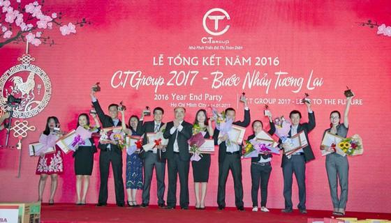 C.T Group đón nhận Huân chương Lao động hạng Nhì tại Lễ tổng kết 2017 ảnh 1