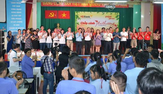 CBNV HDBank, Vietjet chắp cánh ước mơ cho người khuyết tật ảnh 3