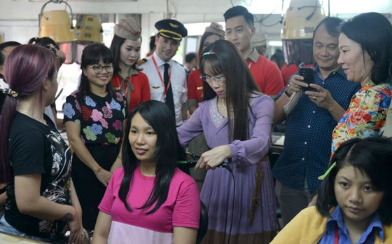 CBNV HDBank, Vietjet chắp cánh ước mơ cho người khuyết tật ảnh 4