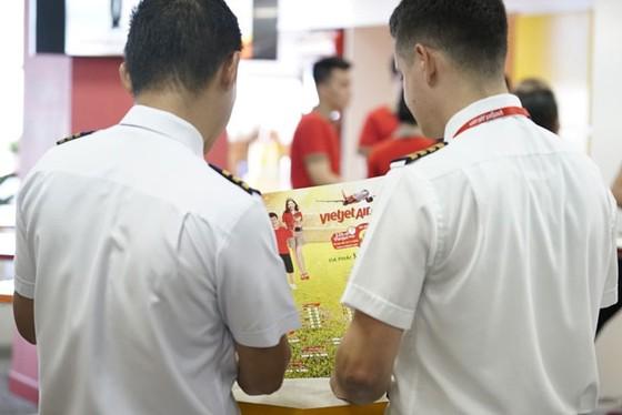 Hành khách hào hứng với lịch thi đấu World Cup 2018 của Vietjet ảnh 14