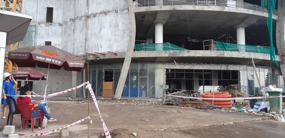TPHCM: Thi công TTTM Giga Mall, 3 công nhân bị thương nặng ảnh 1