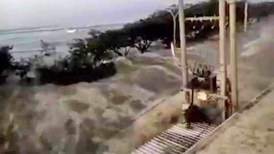 Động đất-sóng thần Indonesia: 30 người chết, hàng nghìn người không nơi trú ẩn ảnh 2