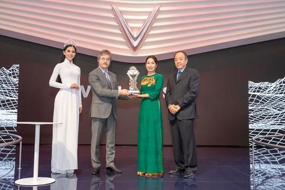 """VinFast được vinh danh giải thưởng """"Ngôi sao mới"""" tại Paris Motor Show  ảnh 2"""