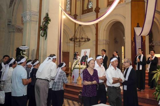 Nhiều đoàn trung ương, địa phương viếng Đức Tổng Giám mục Bùi Văn Đọc, đoàn TPHCM,  ảnh 1