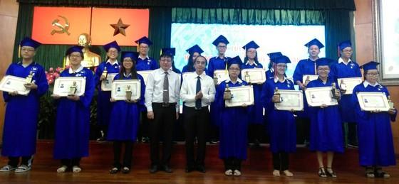 114 học sinh đạt giải thưởng Lê Quý Đôn quận 10 ảnh 1