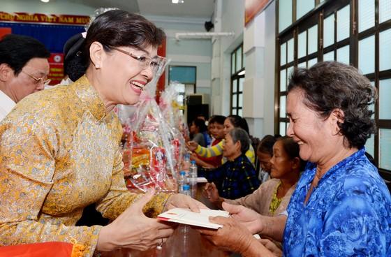 Chủ tịch nước Trần Đại Quang dâng hương tại Đền tưởng niệm liệt sĩ Bến Dược ảnh 4