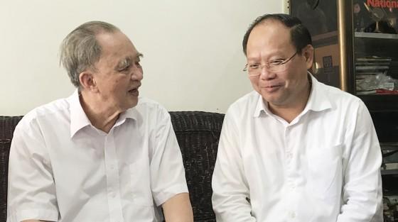 Phó Bí thư Thường trực Thành ủy TPHCM Tất Thành Cang thăm, chúc thọ người cao tuổi ảnh 1