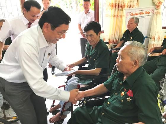 Bí thư Thành ủy TPHCM Nguyễn Thiện Nhân thăm mẹ Việt Nam Anh hùng ảnh 5