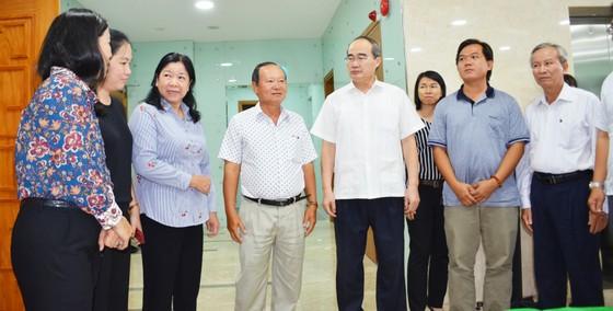 """Bí thư  Thành ủy TPHCM Nguyễn Thiện Nhân: Gỡ gọng kìm """"đầu vào, đầu ra"""" để nông dân có thu nhập cao ảnh 1"""
