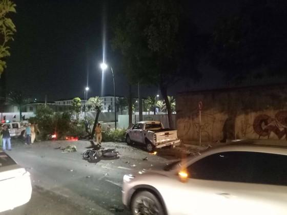 Xe bán tải húc hàng loạt xe máy lúc rạng sáng, 2 người chết ảnh 7