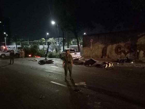 Xe bán tải húc hàng loạt xe máy lúc rạng sáng, 2 người chết ảnh 9