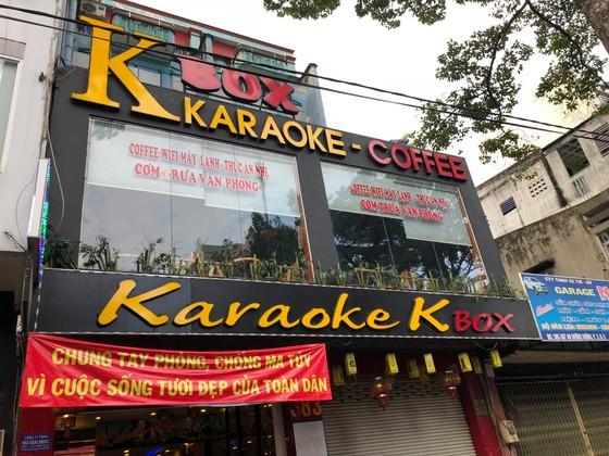 Kiểm tra quán karaoke ở quận 5, phát hiện 16 người nghi sử dụng ma tuý ảnh 1
