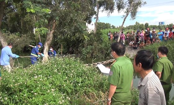 Phát hiện thi thể người đàn ông dưới kênh số 1 ở quận Bình Tân ảnh 2