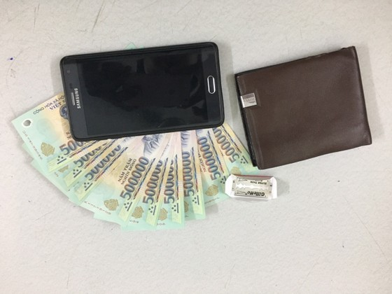 Trinh sát bắt kẻ mang 3 tiền án vẫn đi trộm cắp tài sản ở trung tâm TPHCM ảnh 1