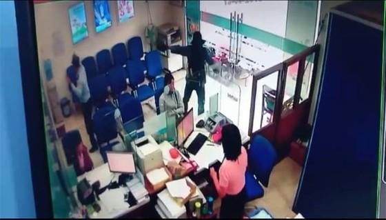 Sau nhiều vụ cướp ngân hàng, tiệm vàng, Bộ Công an chỉ đạo khẩn ảnh 2