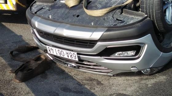 Tai nạn giữa xe ô tô và xe khách trên cao tốc, nhiều người thoát chết ảnh 2
