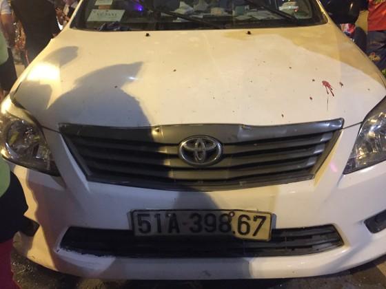 Nữ tài xế ô tô có biểu hiện say xỉn tông hàng loạt xe, một người chết ảnh 19