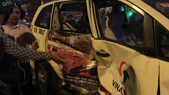 "Khởi tố, bắt tạm giam nữ tài xế xe ""điên"" gây tai nạn kinh hoàng tại ngã tư Hàng Xanh ảnh 3"