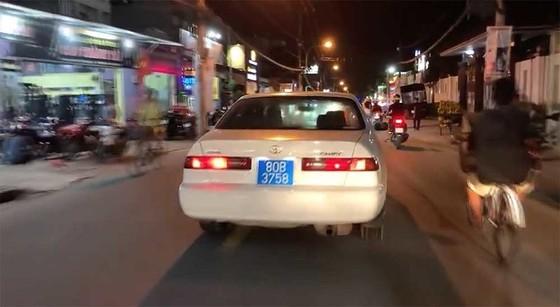 """""""Ly kỳ"""" chuyện truy tìm tài xế xe biển xanh 80B hú còi ưu tiên inh ỏi trên đường phố  ảnh 3"""