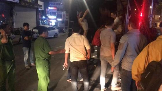 Đột kích nhà hàng, khách sạn phát hiện nhân viên bán dâm, 70 người nghi dùng ma túy  ảnh 3