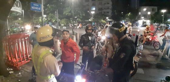 """""""Đi bão"""" sau trận thắng của đội tuyển Việt Nam, 55 trường hợp bị xử phạt ảnh 3"""