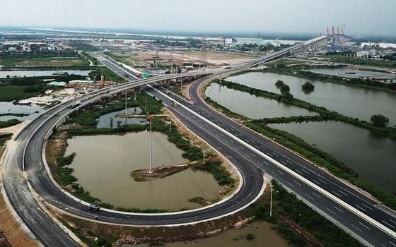 Thủ tướng Nguyễn Xuân Phúc phát lệnh thông xe cao tốc Hạ Long- Hải Phòng ảnh 2