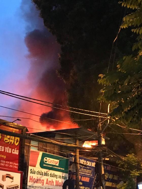 Đã dập tắt đám cháy lớn cạnh Bệnh viện Nhi Trung ương  ảnh 2